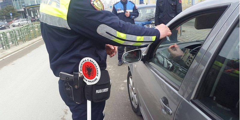 Policia aksion në Durrës, arrestohen tre shoferë të dehur