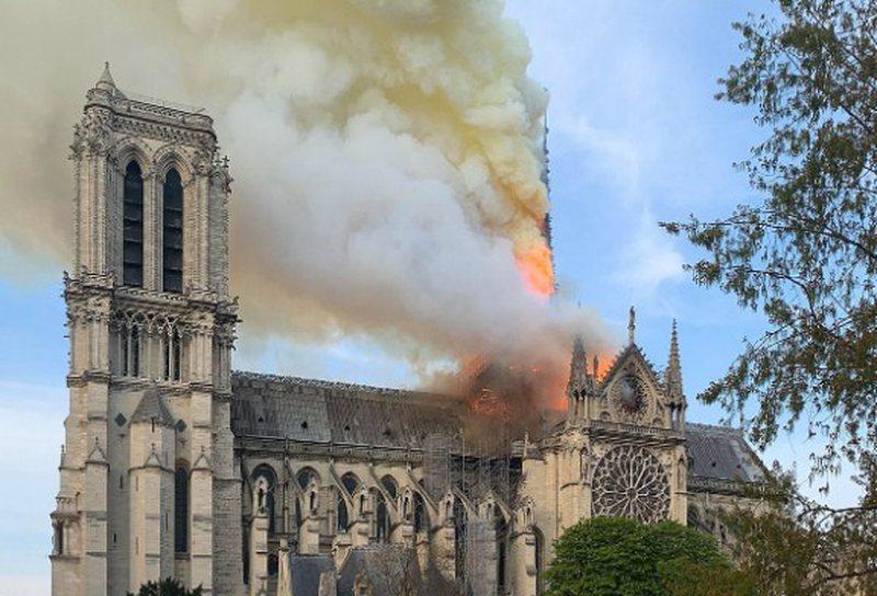Pas muaj të tërë debatesh, vendoset si do të duket Notre