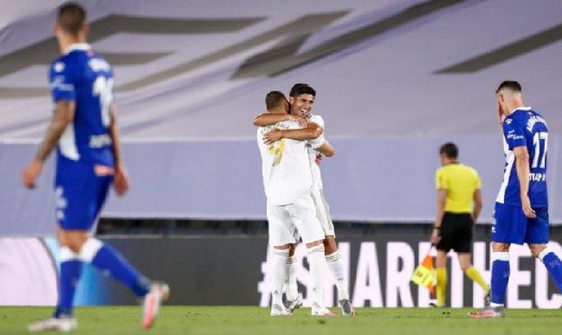 Real Madridi vërshon drejt titullit