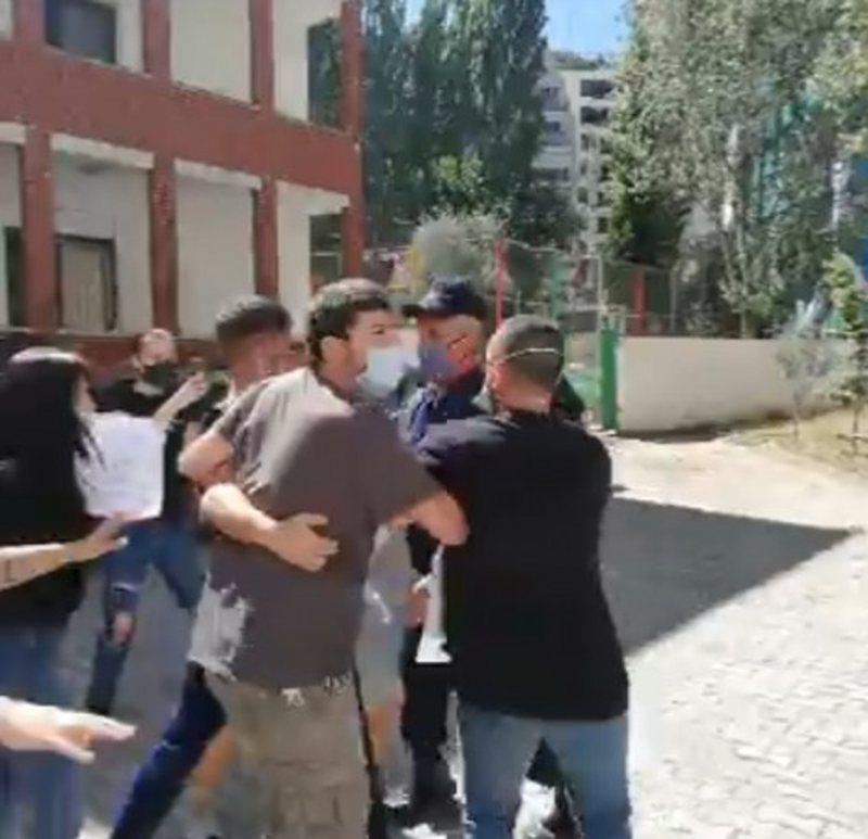 Plas sherri tek Inspektorati i Punës, aktivistët ngrihen në