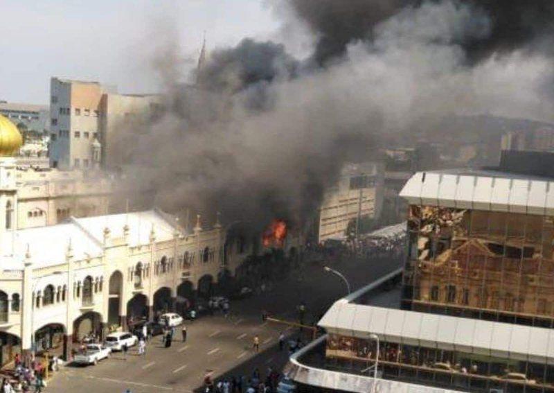VIDEO/ Digjet xhamia 139-vjeçare, nuk raportohet për viktima