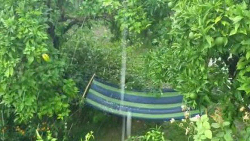 Pamje nga Elbasani/ Fundi i gushtit, reshje të dendura shiu dhe