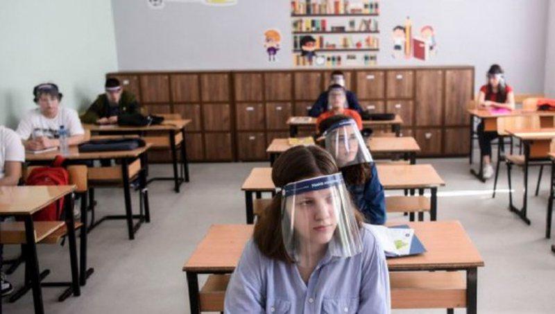 COVID-19 në shkollat e Elbasanit dhe Cërrikut, konfirmohen