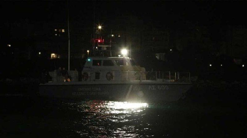 Moti i keq në Greqi, mbytet anija e peshkimit në kufi me Turqinë,