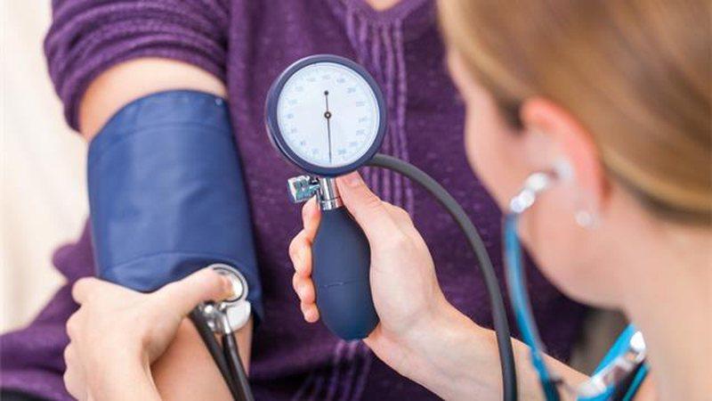 Studim/ 7 hapa si mund të ulin presionin e gjakut, gjatë