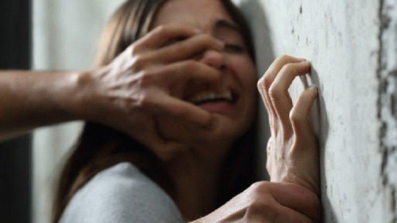 Ushtronte dhunë ndaj gruas dhe vajzës, arrestohet 43-vjeçari