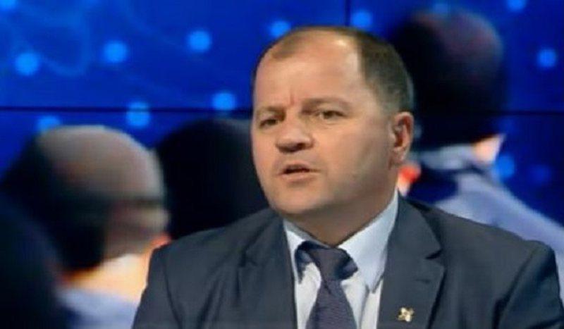 Deputeti i opozitës zbulon personazhin VIP që po mban Sandër
