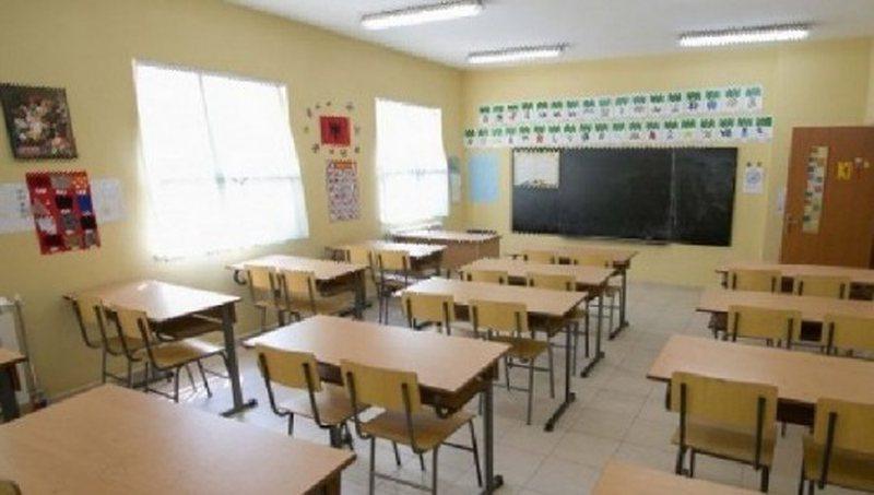 Elbasan, infektohen dy mësues me COVID-19, vetëkarantinohen në
