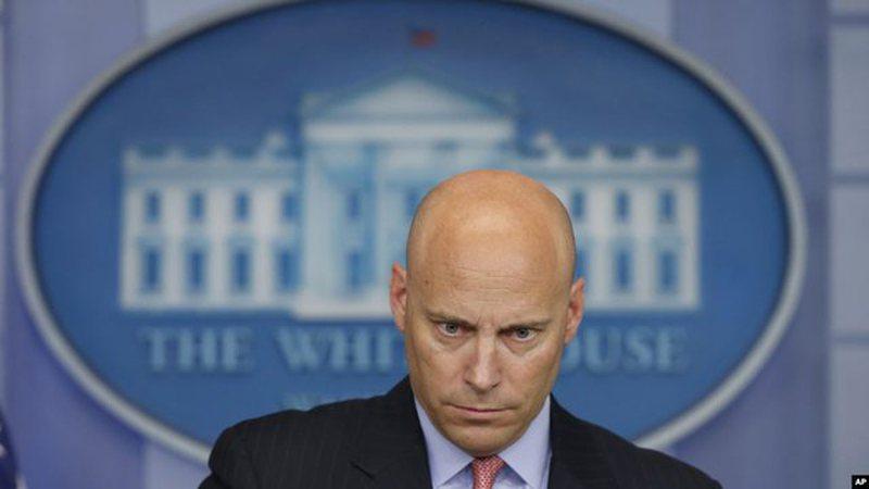 Thyen karantinën zv.presidenti i SHBA, edhe pse i infektuar me Covid vijon