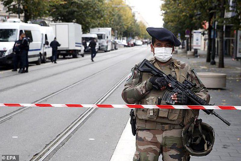 Franca e terrorizuar,  Xhihadistët festojnë në rrjetet sociale,