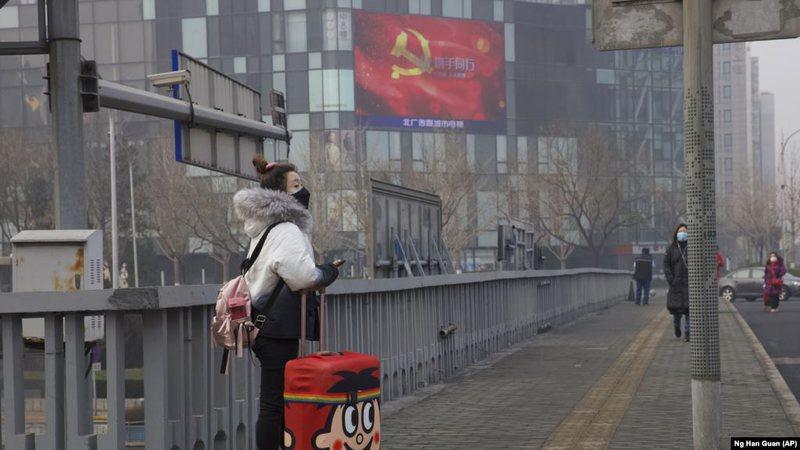 Hoqi kufizimet, ekonomia e Kinës u rrit me 4.9% në muajt