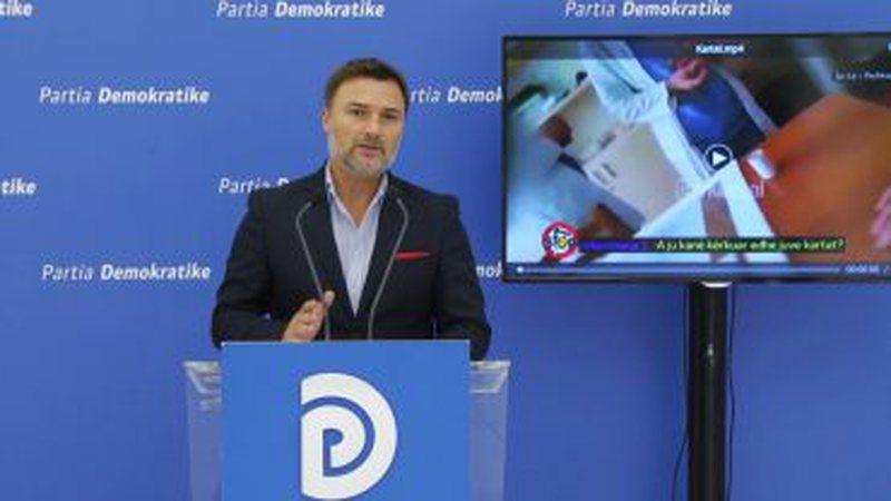 PD: Mbledhja e kartave të identitetit stafit spitalor në Peshkopi,