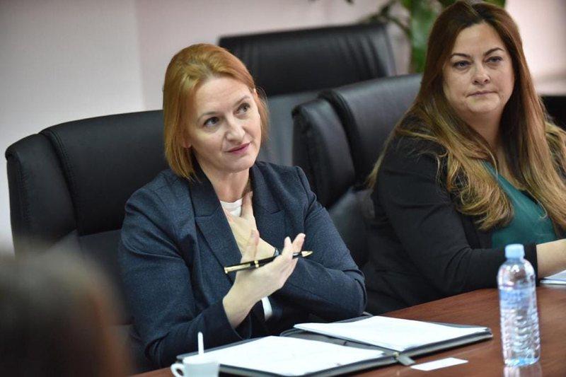 Ministrja Denaj prezanton projekt buxhetin e vitit 2021: Ka premisa për