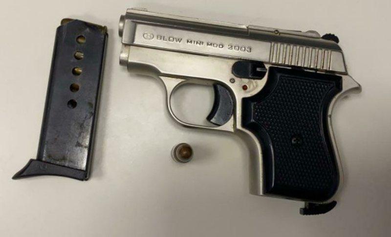 Arrestohet 20-vjecari që lëvizte me armë në Tiranë