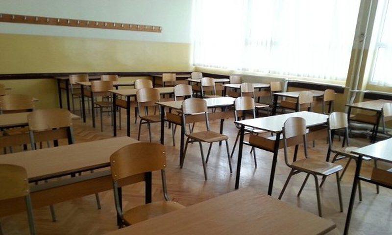 Infektohen 5 mësues me Covid, mbyllet shkolla në Sarandë