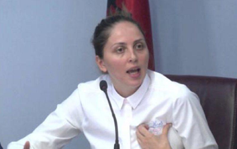 """""""Le nam"""", Brisida Shehaj i kundërpërgjigjet Murrizit:"""