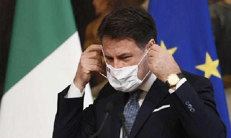 Gati karantina, Conte firmos dekretin, Italia vendos kufizime në shkolla,