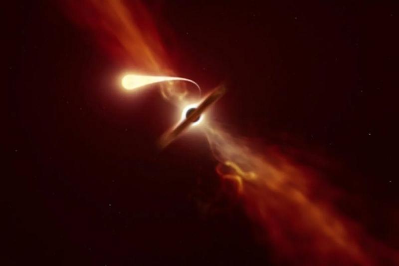 Momenti kur vrima e zezë gjigande përthith yllin hapësinor