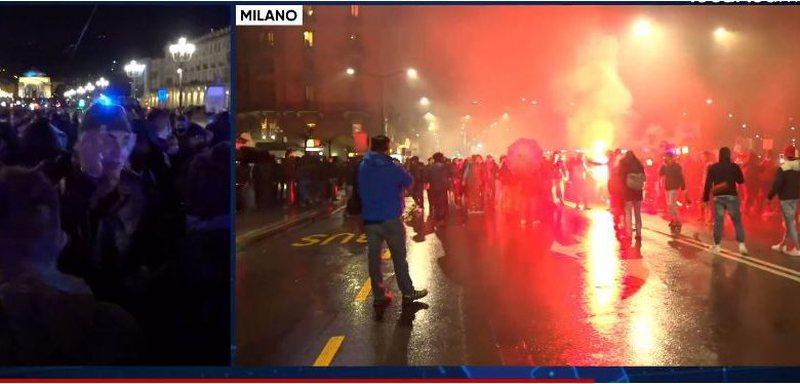 VIDEO/ Mbyllen baret, italianët i vënë flakën shesheve.