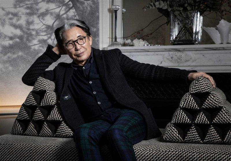 Koronavirusi i merr jetën dizajnerit të famshëm Kenzo