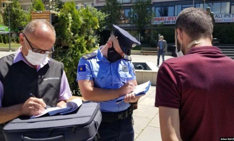 Rritet numri i gjobave për mosmbajtjen e maskave në ambientet publike,
