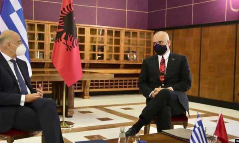 Çështja e Detit, Greqia dhe Shqipëria i drejtohen Hagës