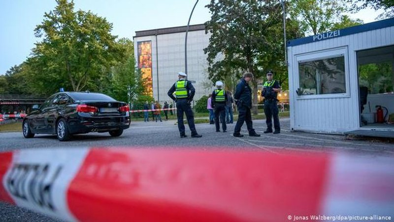 Sulmohet sinagoga në Hamburg, plagoset rëndë një hebre