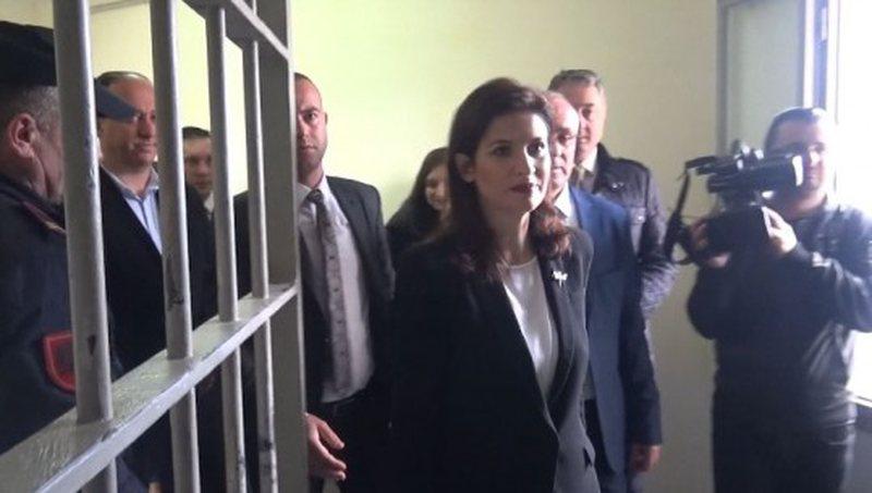 Gjonaj inspektim blic në burgun e Reçit, kontroll për masat e