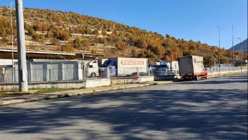U bllokuan në Kapshticë për më shumë se 1 orë,