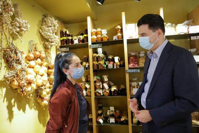 Basha pas vizitës tek një biznes në Tiranë: Ka nevojë