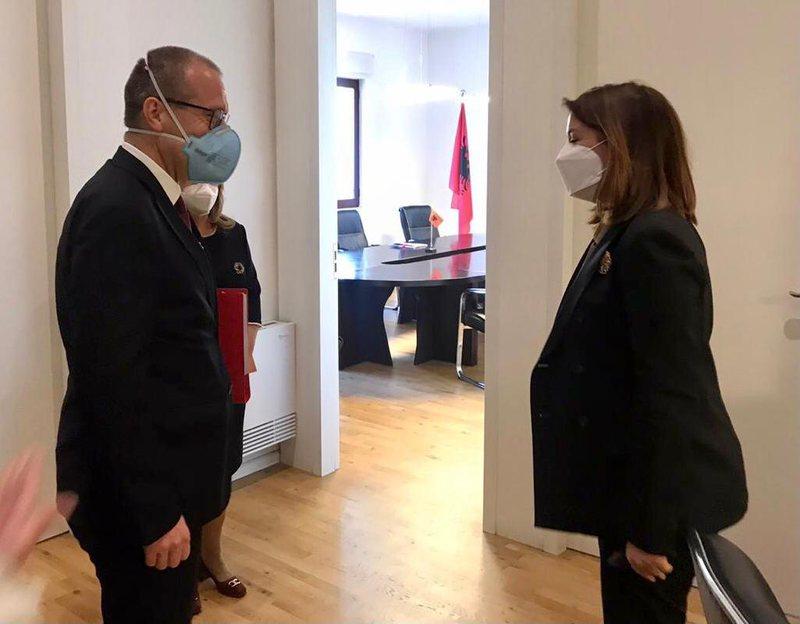 Drejtori i OBSH për Europën takim me Manastirliun: Keni vepruar shpejt