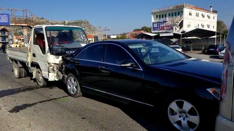 Aksident masiv në Shkodër, 5 makina përplasen me