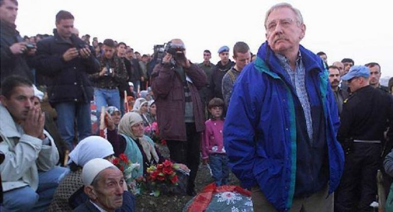 Ambasadori Walker: Kosova dhe Serbia nuk po trajtohen njësoj, pala fituese