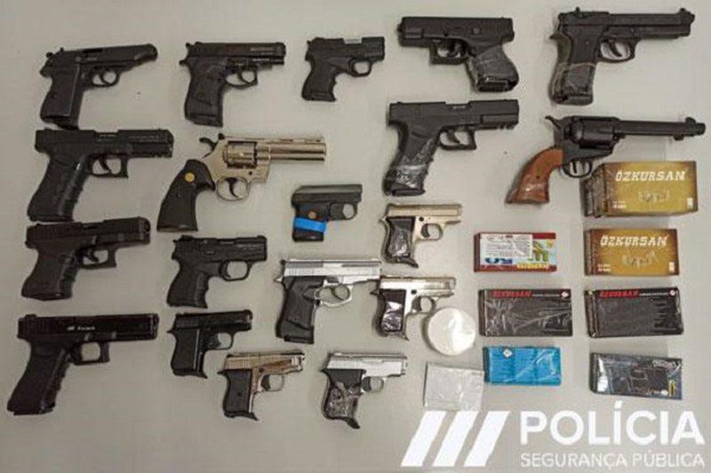 Europol shkatërroi rrjetin e trafikut të armëve, kontrolle edhe