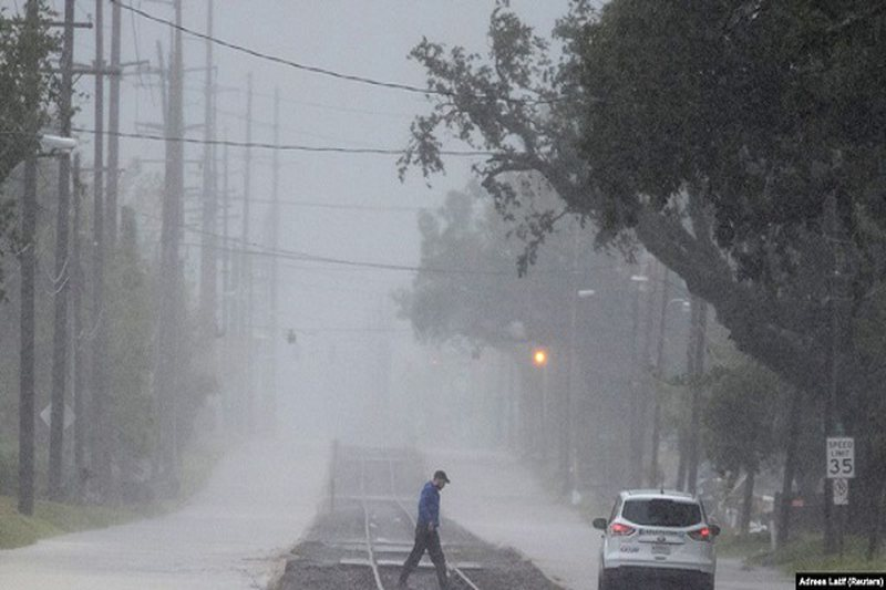 Thyen rekord numri i stuhive të emërtuara në Atlantik