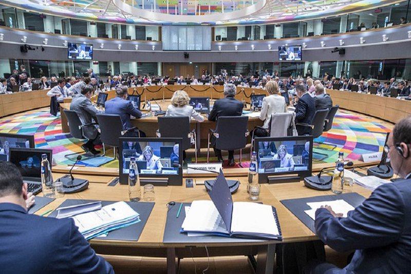 1.85 trilionë euro të bllokuara, Bashkimi Evropian në kaos