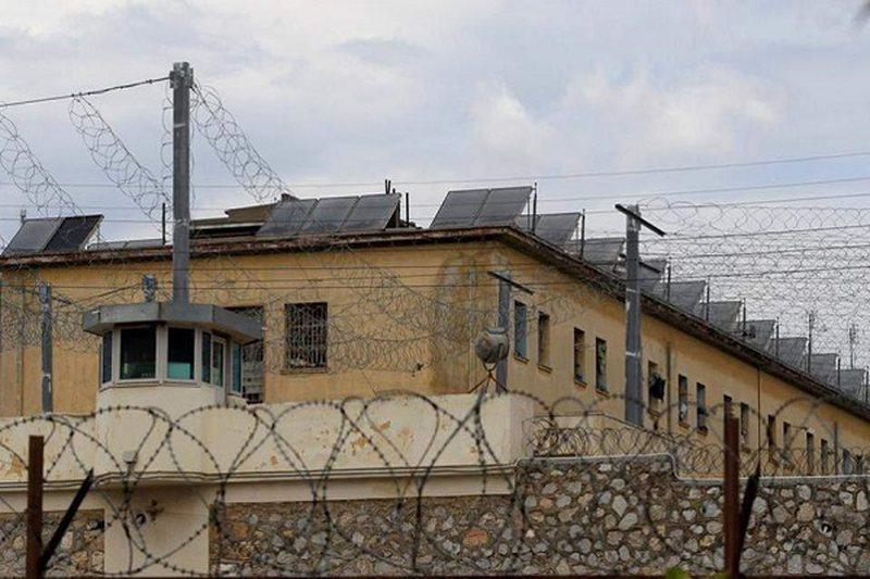 Covid-19 mbërthen burgun e Bençës në Tepelenë, 5