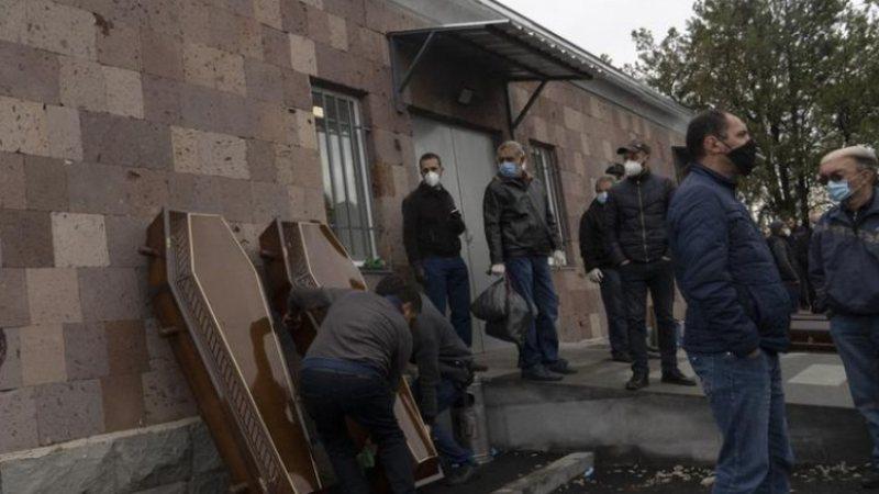 Luftimet e përgjakshme dhe viktimat e COVID, Armenia mes dy frontesh