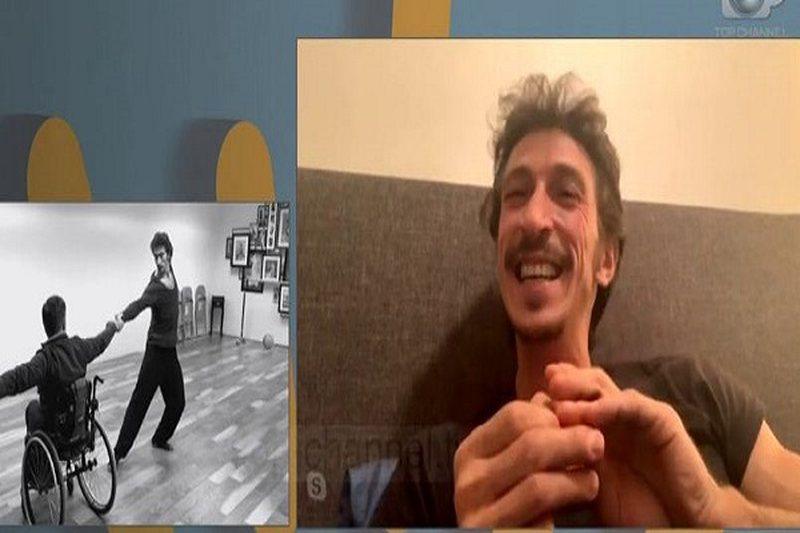 Emocionuese/ Balerini shqiptar bën të kërcejnë personat me