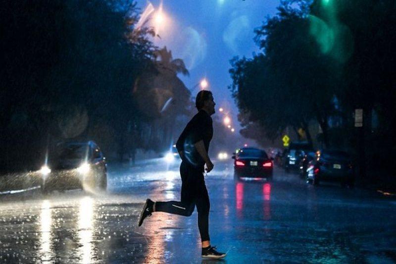 Stuhia Eta mbërthen Floridën