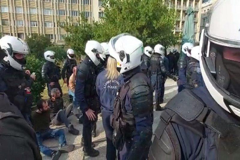 Protestuesit përplasen me policinë në Greqi, refuzuan urdhrin