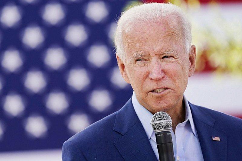 Presidenti i zgjedhur Joe Biden takon këshilltarët për