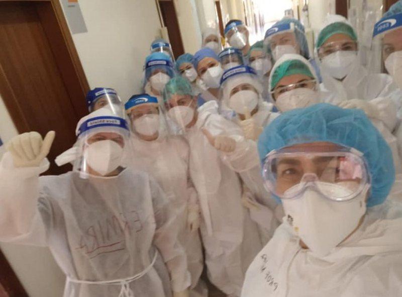 Akuzat e Bashës, shefja e Infektivit publikon foton: Jemi në
