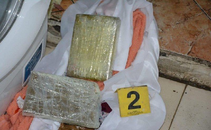Lezhë, gruaja 50-vjecare kapet me 1.2 kg kokainë, shpallet në