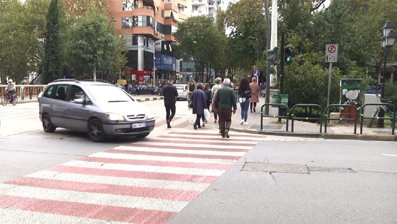 Aksidentet rrugore, eksperti: Makinat duhet të ndalojnë 3 sekonda