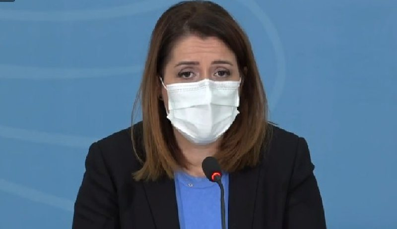 """""""Lufta kundër Covid nuk fillon në spital"""", Manastirliu ndan"""