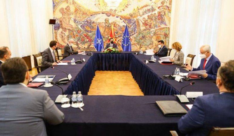 Pandemia/ Maqedonia e Veriut shpall gjendjen e krizës, mblidhet