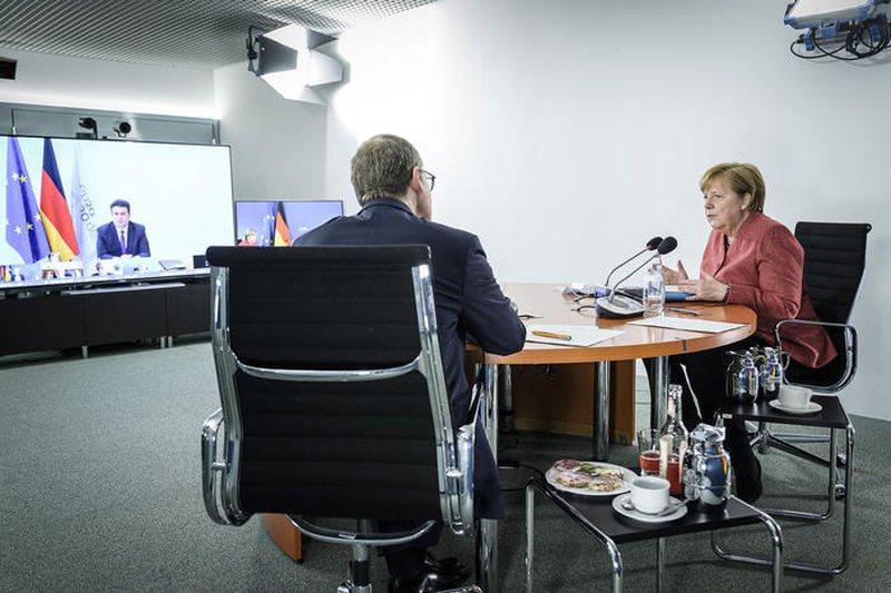 Merkel: Covid është sfida e shekullit, vendimet politike shumë