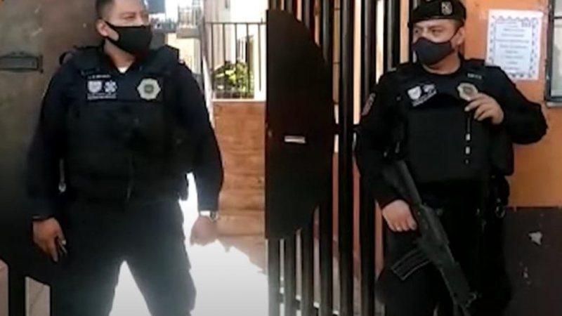 Horrori, policia ndalon dy 15-vjeçarë, mbanin në valixhe