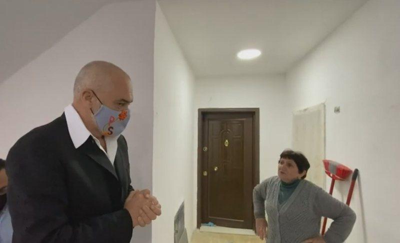 Rama inspekton rindërtimet e banesave në Shijak: Puna po bëhet e